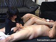 Мама любит трахатся со своим сыном и дает кончить впизду