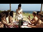 amira casar - la femme qui pleure au chapeau rouge (2010)