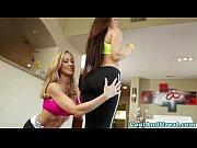Грудастая симпатичная девушка мастурбирует себе киску видео в хорошем качестве