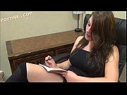 Секс с гувернанткой в библиотеке студент негр