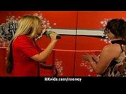 Смотреть видео как брат ебеб пьяную сестру попу