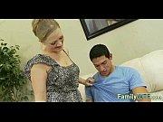 Муж слизывает у жены свою сперму