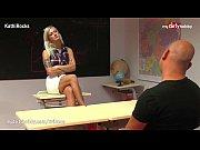 Реальное видео ее ебут пока она пьяная спит русское видео скрытая камера смотреть