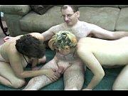 Смотреть жёсткое порно молодых девушек с толпой негров с толстыми членами