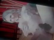 Порно видео карлик ебет брюнетку