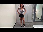 Видео онлайн висячая большая грудь
