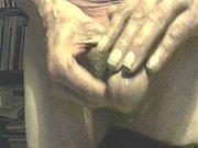 Порно ролики мужик ебет маму и дочку смотреть