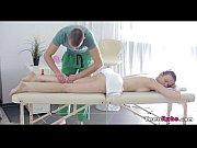 Порно видео как мать и дочь ебут одного