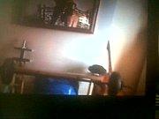 Порнг видео молодой парень лижет двум зрелым женшенам пизду и жопу
