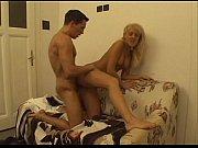 Смотреть порно видео девки хуями жестко ебут мужика