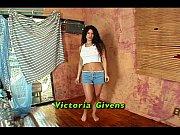 victoria datosti - mladi chicks koji piju dicks