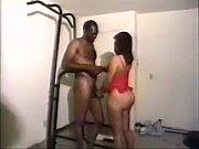Домашнее видео трахнули жену на двоих