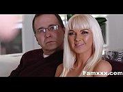 Две русские семейные пары обменялись жена