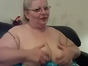 Бабушка сняла трусы раздвинула ноги
