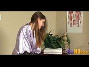 Девушка с большими сиськами в прозрачной майке порно