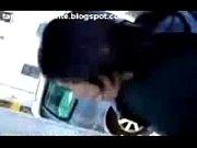telefonica cabina la en Mamando