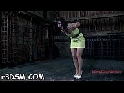 Порно убойная груповуха в спорт зале