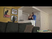 Видео руки девушек крепко связаны веревкой