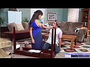 Порно зрелая шикарная женщина учит мужчину как правильно сосать чле