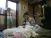 病気で寝込んでいる熟女の体を拭いている内にっ興奮した男性が乳首を弄りそのまま挿入へ