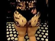 Эротические видео девушек одевают колготки