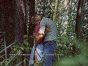 Трахает мужик малышку с длинными косичками
