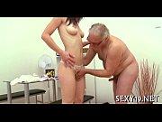 порно как сын трахнул свою сексуальную мать