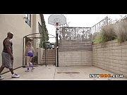 Трахают парня на природе видео