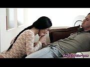Порно папа трахает непослушную дочку