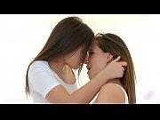 Смотреть как разводят молодых девушек на секс в россии