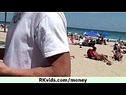 Секс видео мать и дочь делают отцу приятно