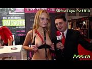 Классное порно видео групповуха на публике