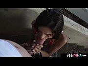 Видео порно девушка доет молоко