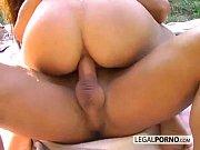 Gostosas fazendo sexo no picnic