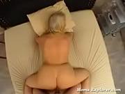 девушка сладко спит голая