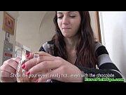Порно видео дрочил на мамино белье