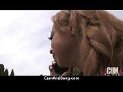 Два негра ебут блондинку в попу
