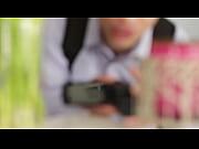 Порно с деловой женщиной в подземном гараже