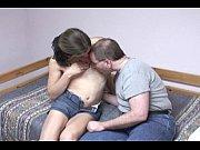 Девчонки мастурбируют и кончают перед веб камерой домашние видео