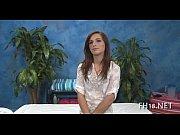 Русский брат разглядывает волосатую пизду сестры видео