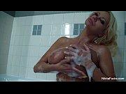 Видео порно уборщица лижет пизду дочке хозяев