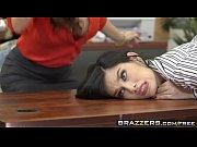 Порно трахнул мать пока та спала