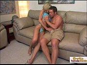 Тайская жена страпоном трахает мужика в жопужестка