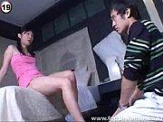 Молодой парень трахает женщину с большими сиськами везде