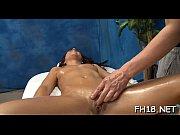 Смотреть онлайн порно как женщина массажистка делает массаж мужчине