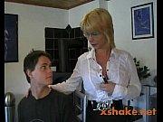 Порно ролики и фильмы где молодая жена наказывает мужа за измену трахаясь с другим а потом заставляет мужа сосать член любовника