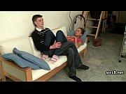 Мужская мастурбация бытовыми предметами