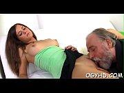 Жесткий анальный секс с 2 мужчинами