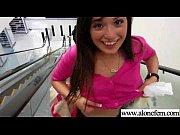 Видео тёлки обоссываюца от траха