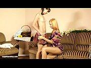 Как жены играют с фалоимитатором